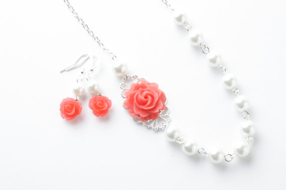 vintage style flower necklace - Coral necklace - shabby chic - pearl and rose necklace - coral pearl neckalce - rose necklace - romantic - coral red - coral wedding - coral jewelry